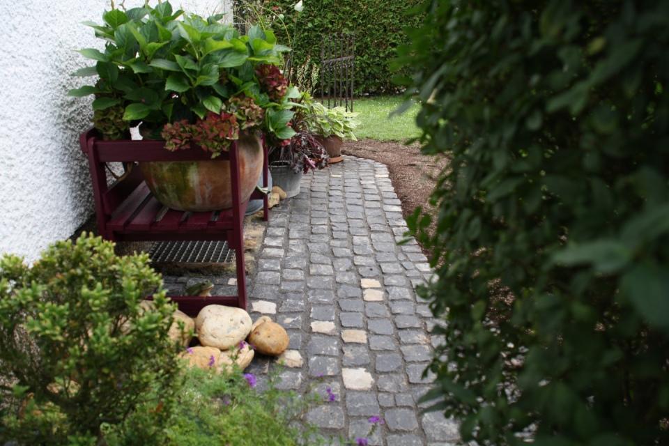Neubau sitzplatz thomas for Gartengestaltung neubau